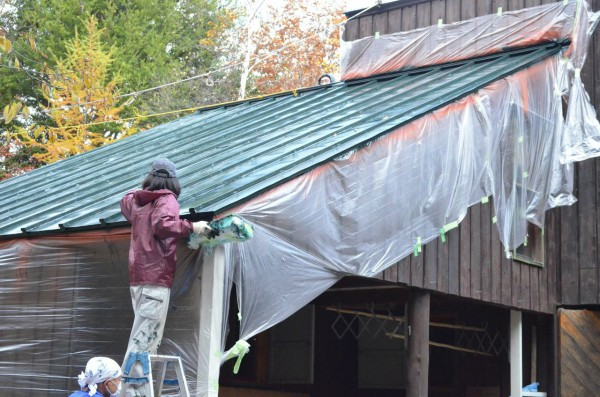 山小屋 屋根 錆落とし 錆止め 塗装