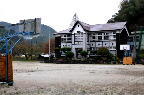 御庄中学校