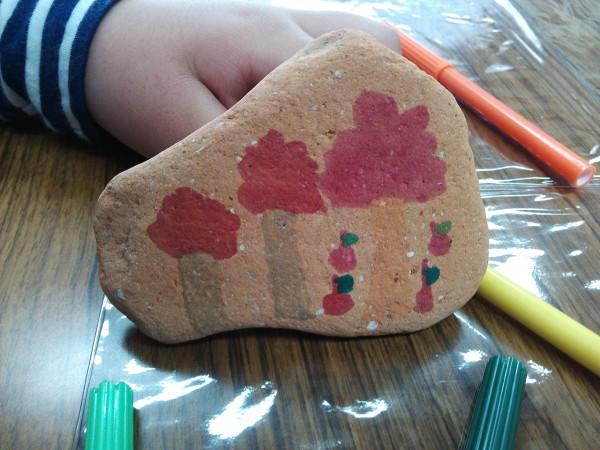 絵画教室 石に絵を描く