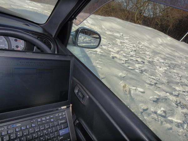 ノマドワーカー 雪 車