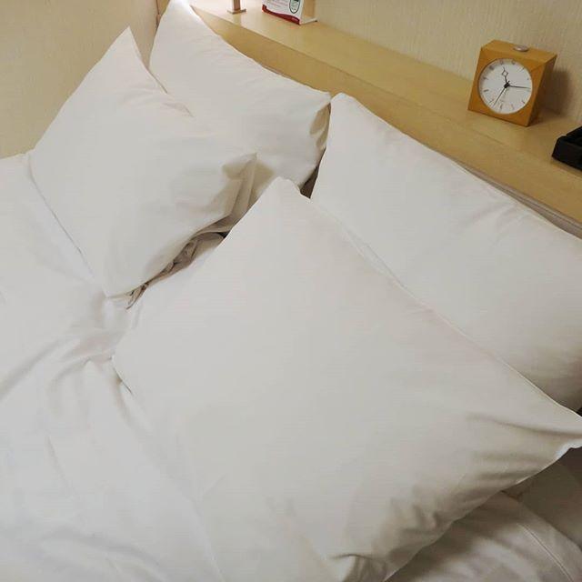 寝ようとしたら枕が4つ#ベッドメイキング #リッチモンドホテル #成田