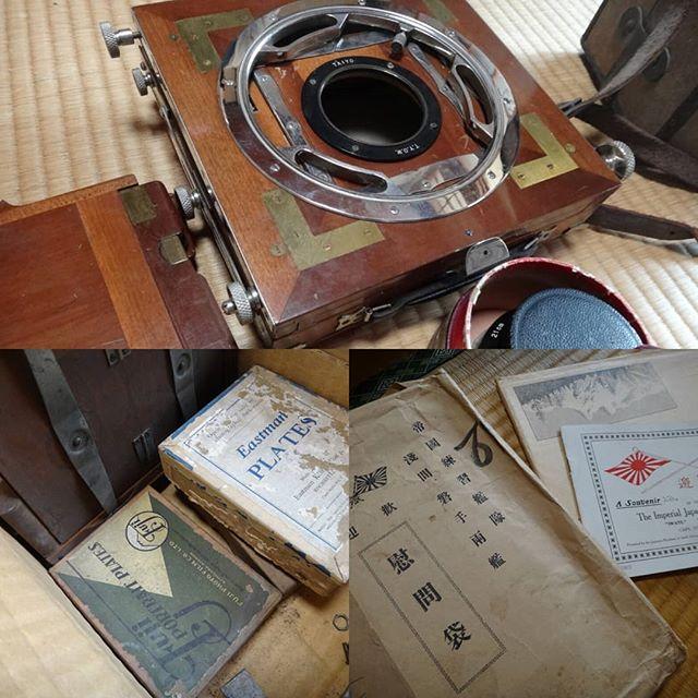 実家片付け中。おじいちゃんが軍隊にいた頃の物。捨てられない。#古いカメラ #実家 #実家片付け #捨てられない