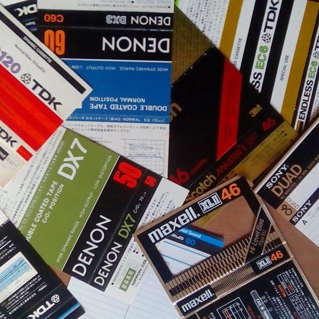 懐かしいすぎて捨てられません#カセットテープ #実家片付け #実家片付け中 #実家整理 #断捨離 #sony #tdk #maxell #denon #scotch #80年代 #70年代