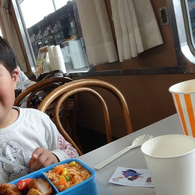 息子と食堂車へ。#京都鉄道博物館 #食堂車 #ウメテツランチbox #ナシ20形食堂車 #息子と二人旅
