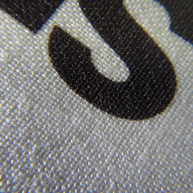 オフィスとかにある普通の複合機(レーザープリンタ)で普通の布(綿)へ印刷。良い子は絶対マネしないでね!