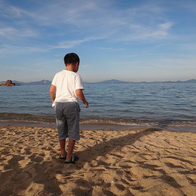息子は海が苦手になってしまいました。。。#由宇潮風公園 #由宇 #岩国 #きれいな海