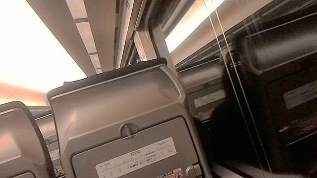 上野から指定券買ってたけど間に合わないので日暮里から駆け込み乗車!ギリギリセーフ!#京成イブニングライナー #イブニングライナー #京成