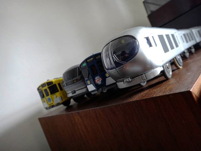 ラヴュー、本日より運転開始!偶然目撃しましたが、撮影できず残念、、、#laview #ラビュー #西武線 #西武鉄道 #西武鉄道001系 #001系 #プラレール