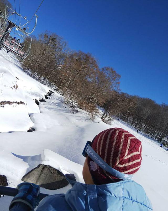 昼飯食ったらリフトに乗りたくなったらしい__#息子とスキー #たんばらスキーパーク #スキー